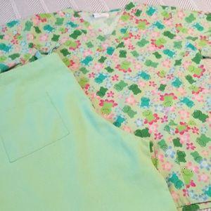 Line green frog scrub set